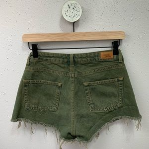 Subdued ASOS Vintage Crop Army Green Shorts 27